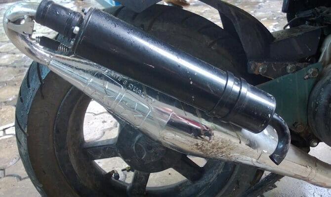 Тюнингованный глушитель для скутера