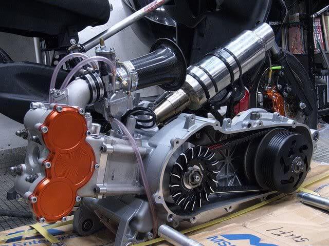 Тюнингованный двигатель скутера фото