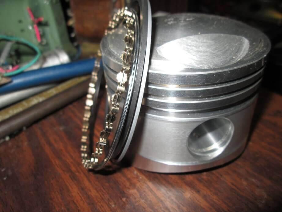 Поршень и кольца для Урала фото
