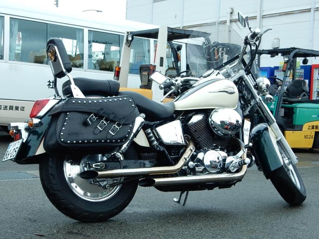 Honda shadow 400 белый фото