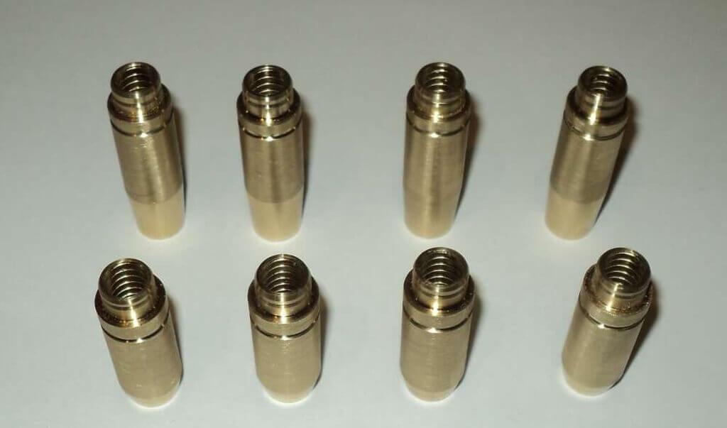 Направляющие клапанов Ваз бронзовые фото