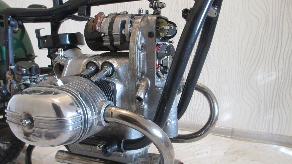 Двигатель Ural 67 фото