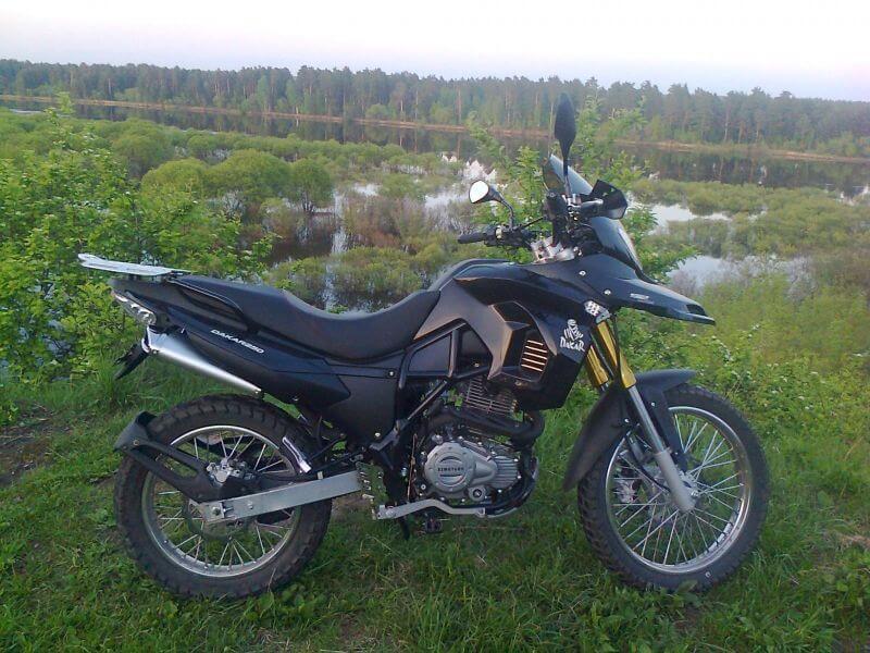 Черный bm 250 dakar